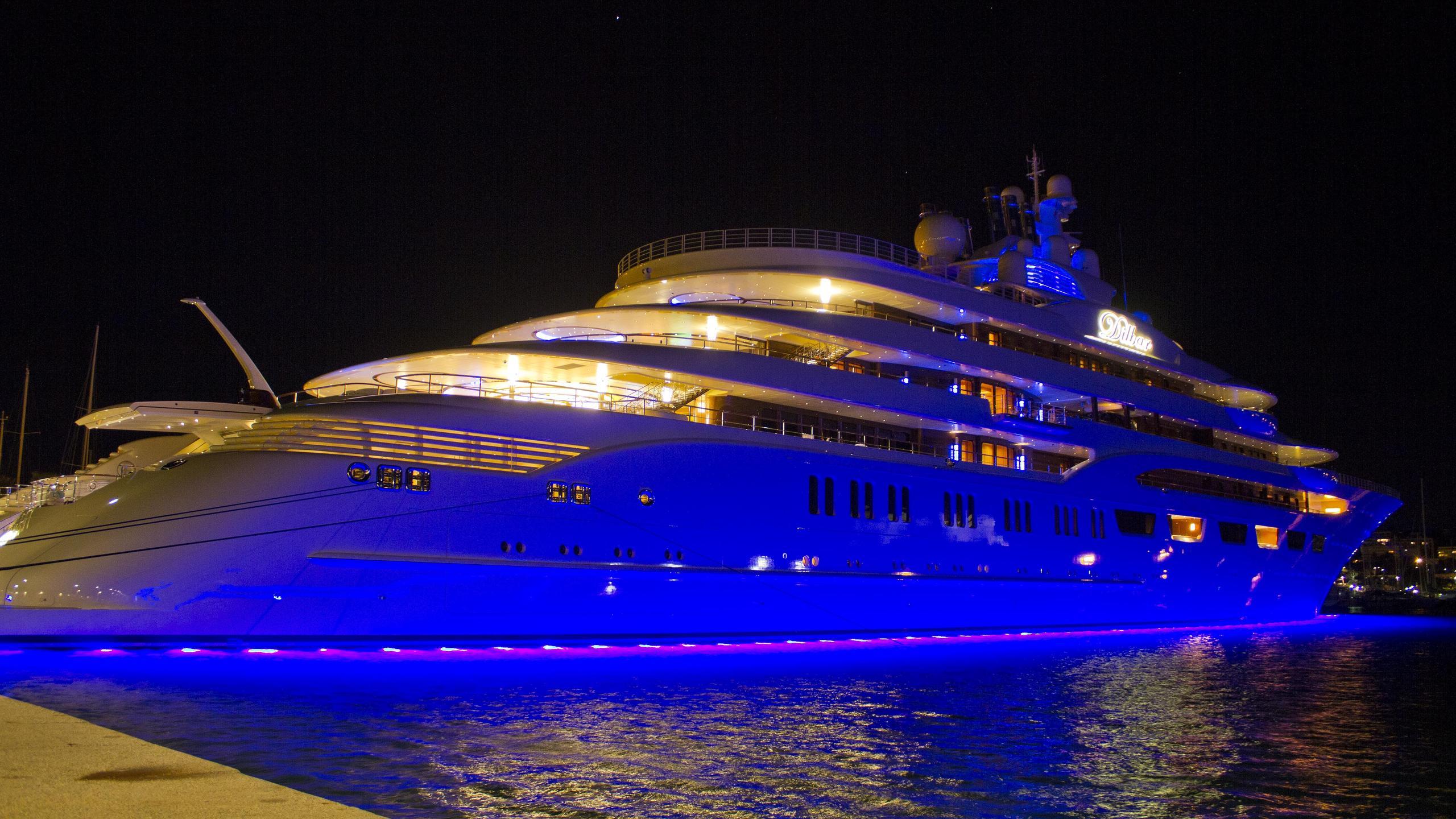 dilbar-motor-yacht-lurssen-2016-156m-half-stern-by-night