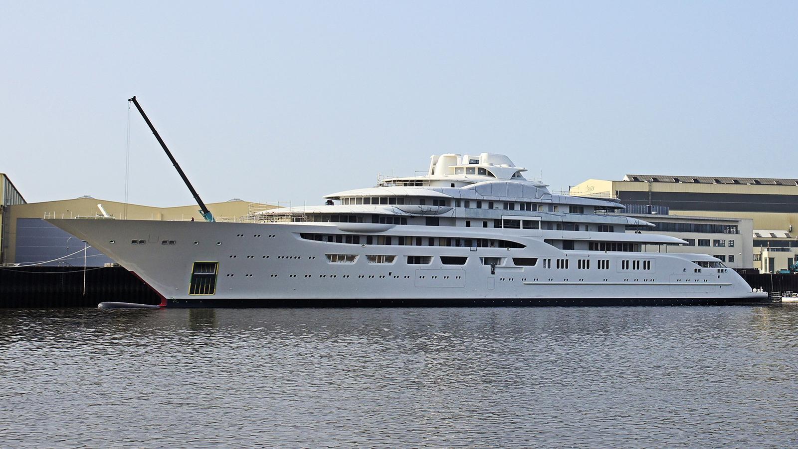 dilbar-motor-yacht-lurssen-2016-156m-shipyard-moored