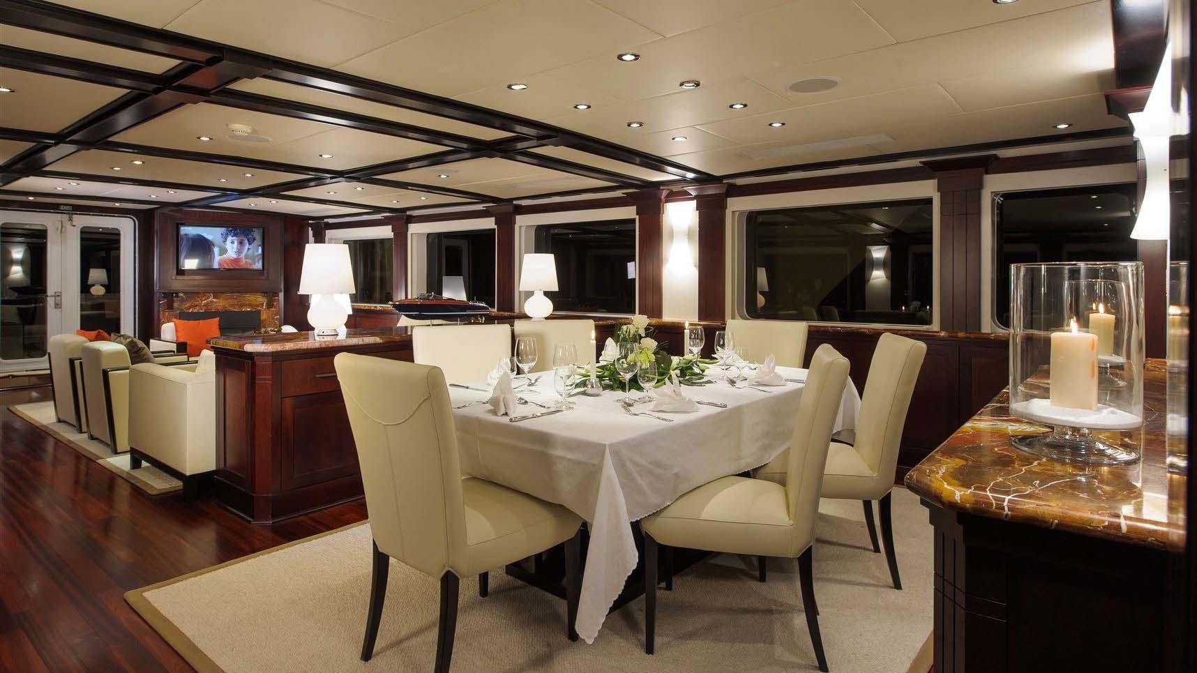 L-ALBATROS-super-yacht-for-sale-dining