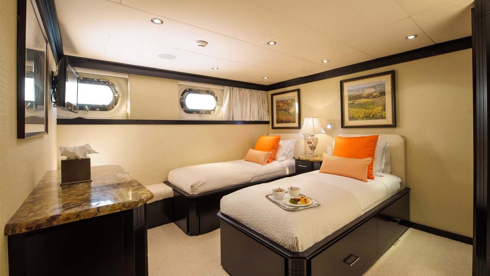 L-ALBATROS-super-yacht-for-sale-twin-cabin