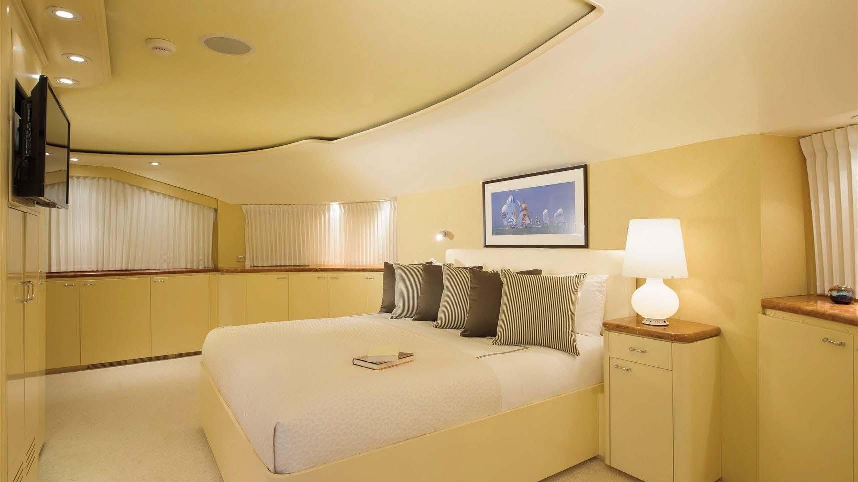 L-ALBATROS-super-yacht-for-sale-double-cabin
