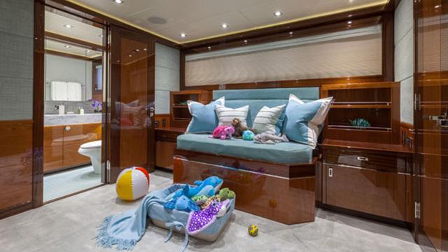 finish-line-motor-yacht-trinity-2013-37m--childrens-room