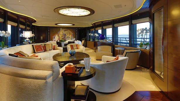Apostrophe-motor-yacht-hakvoort-2013-39m-saloon