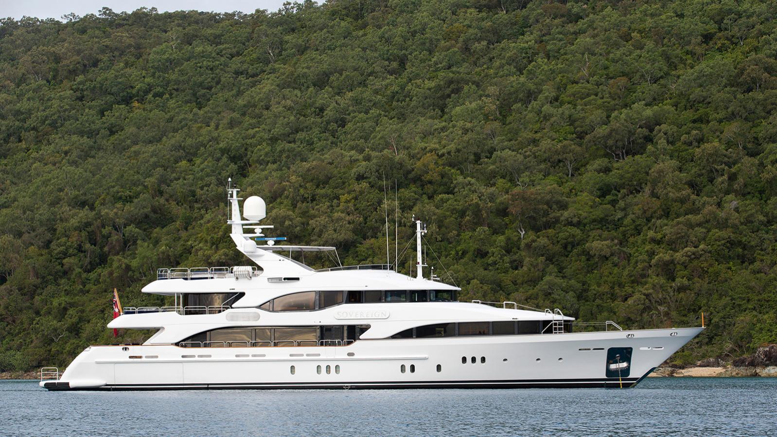 sovereign-motor-yacht-benetti-2002-44m-profile