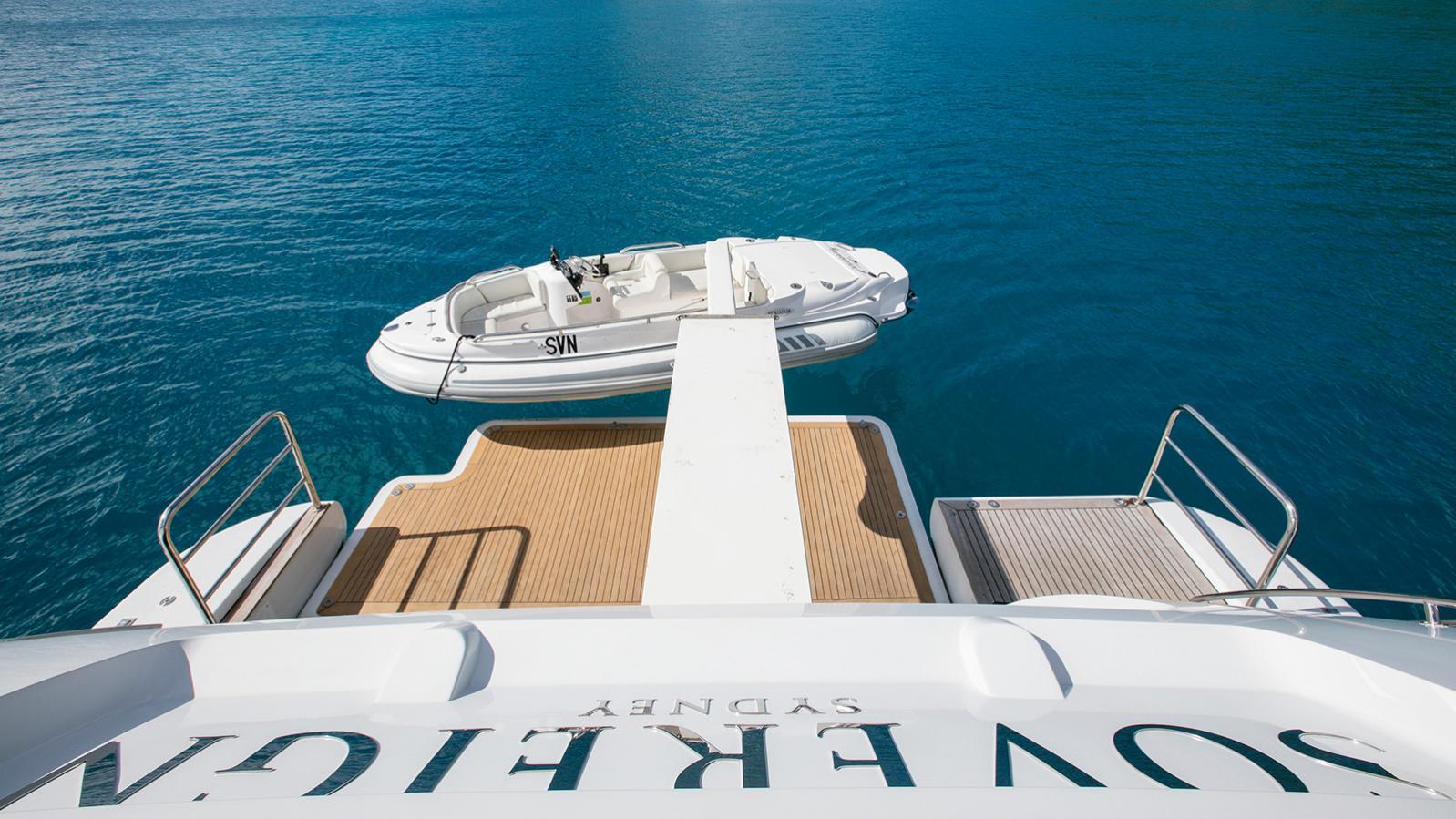 sovereign-motor-yacht-benetti-2002-44m-stern-tender