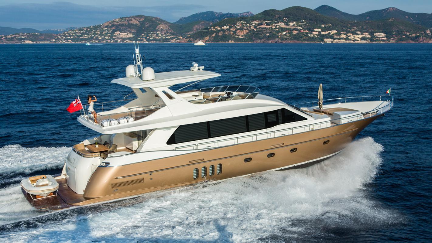 versailles-motor-yacht-van-der-valk-2014-25m-cruising