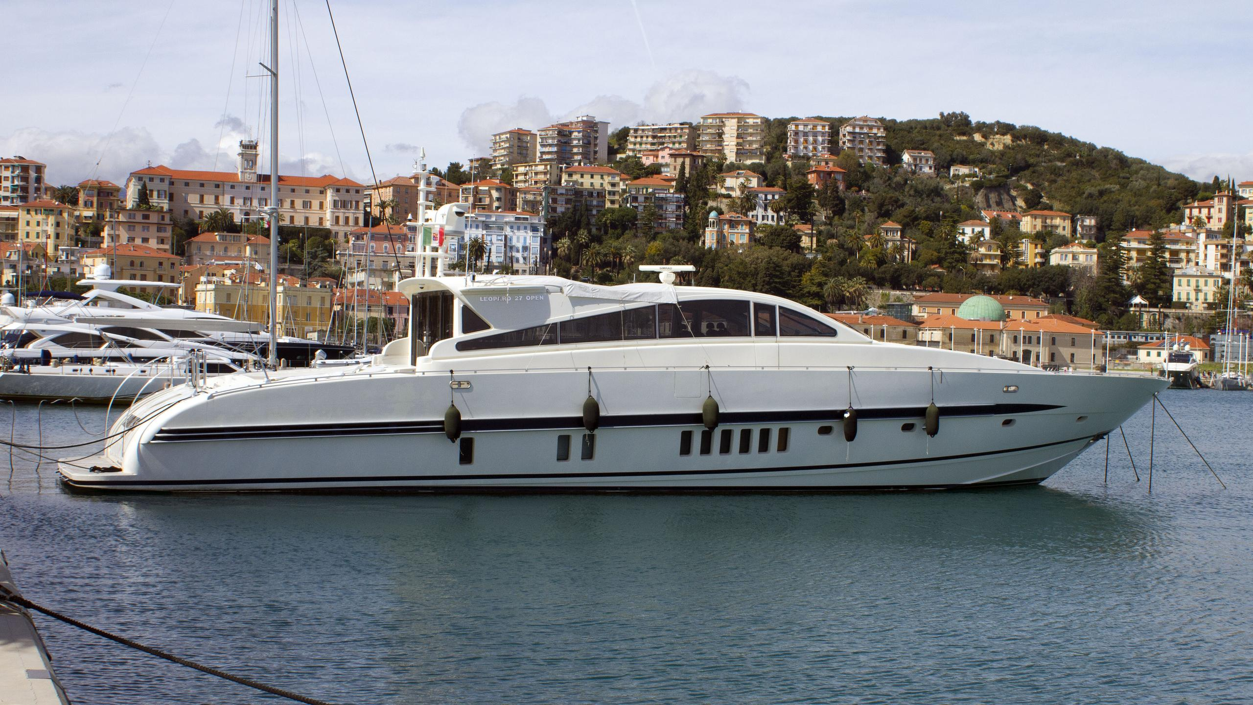 cita romas 3 motoryacht arno leopard 27 2001 27m profile