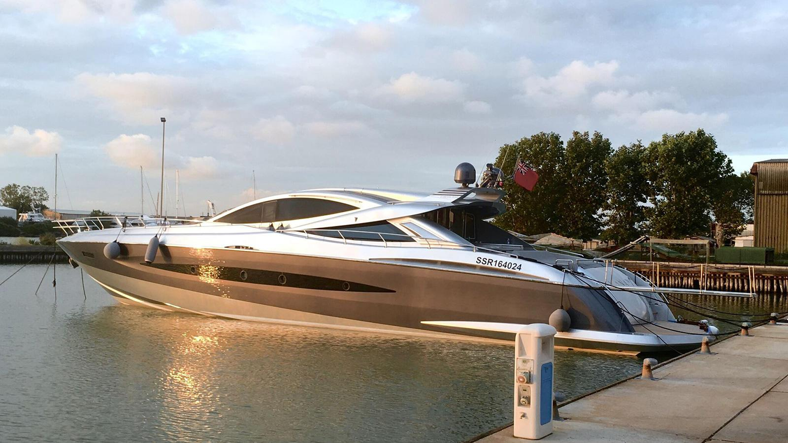 canados 90 motoryacht canados open 90 2016 27m half stern