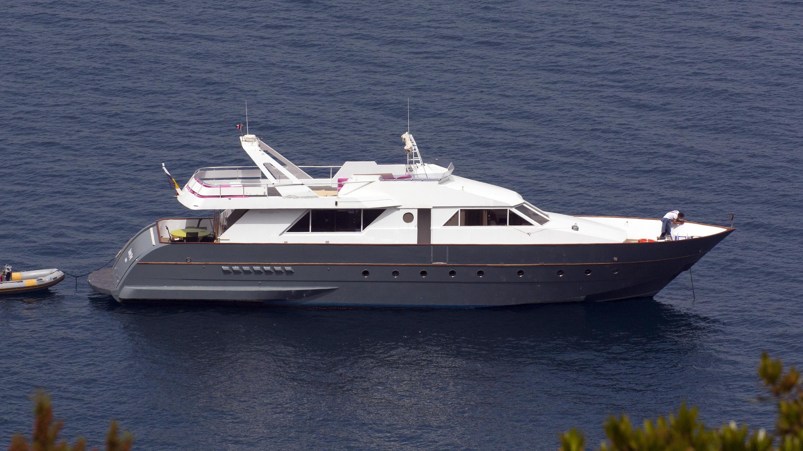 sunny day motoryacht versilcraft 1977 25m profile