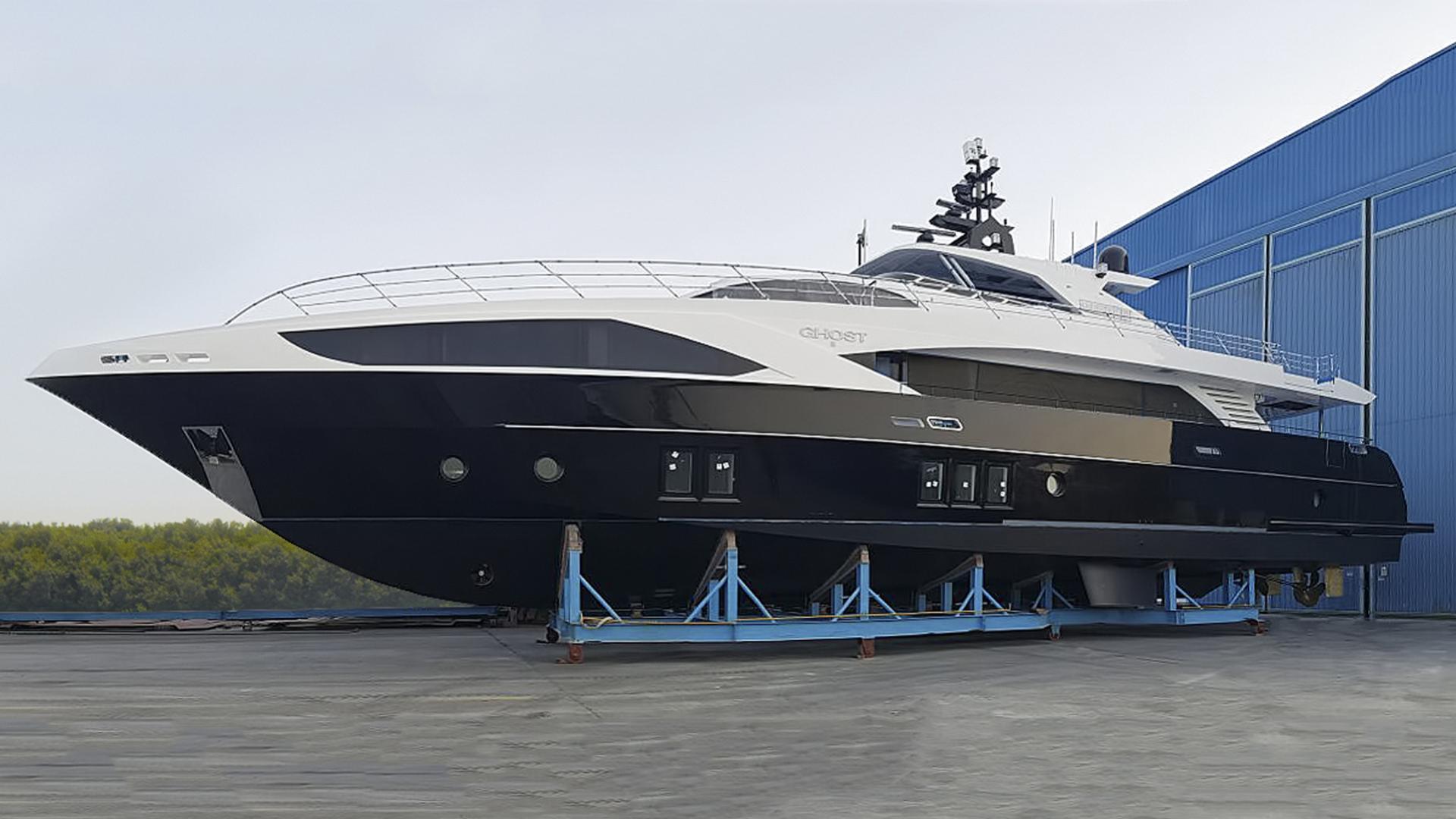 ghost ii motoryacht gulf craft majesty 122 2016 38m profile launch