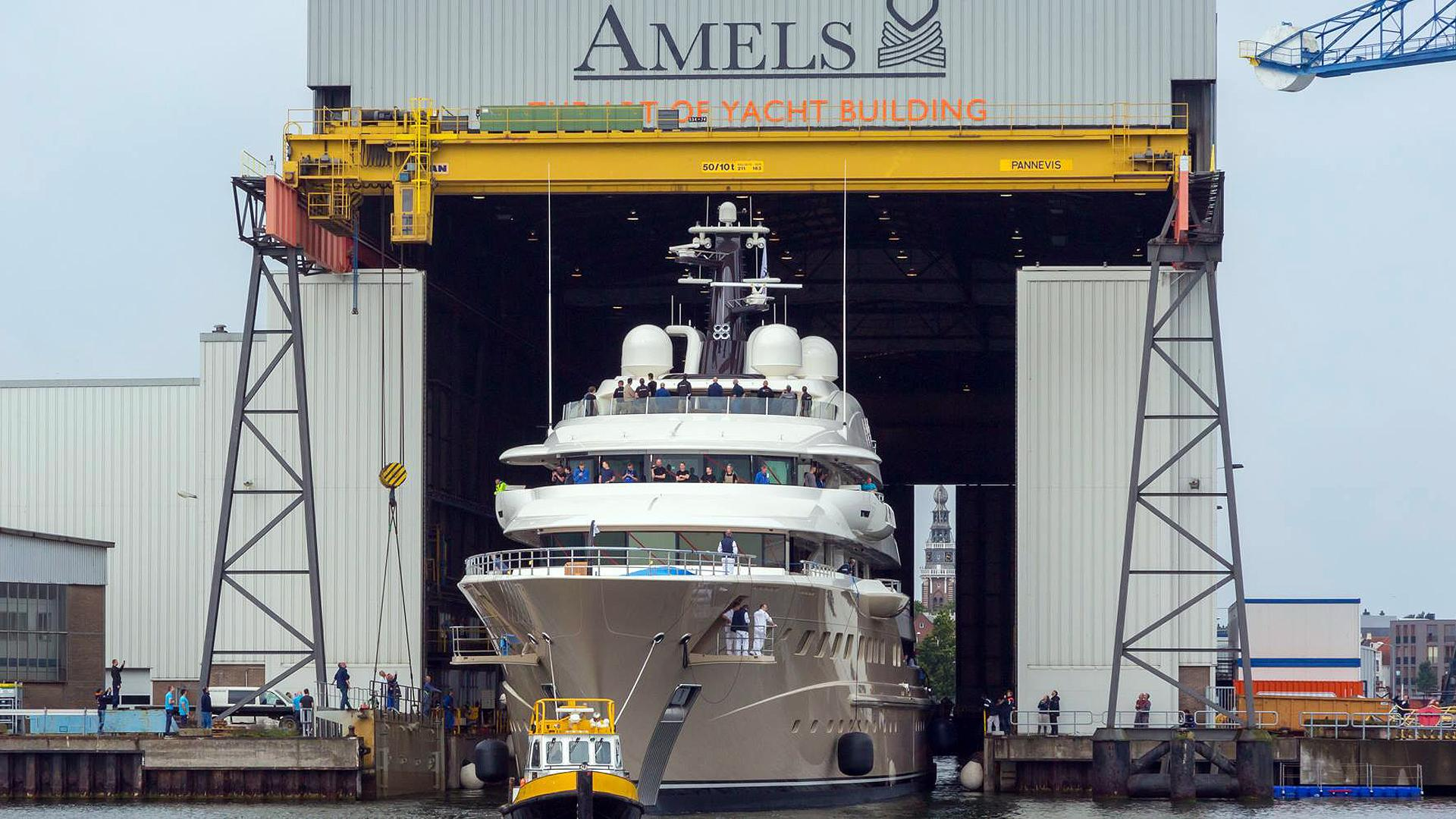 here comes the sun motoryacht amels le 272 2016 83m bow launch