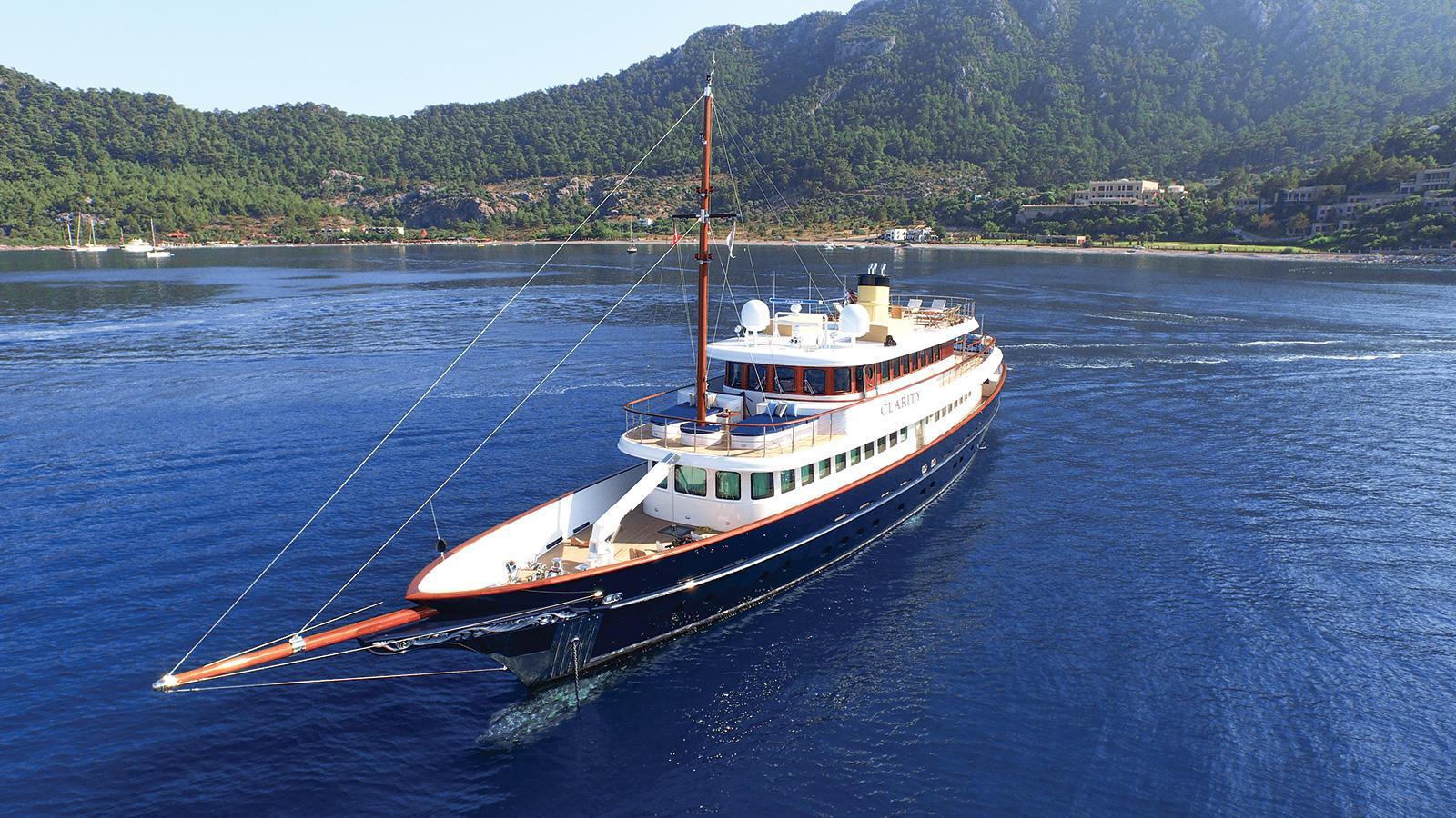 clarity-motor-yacht-bilgin-classic-160-2015-49m-half-bow