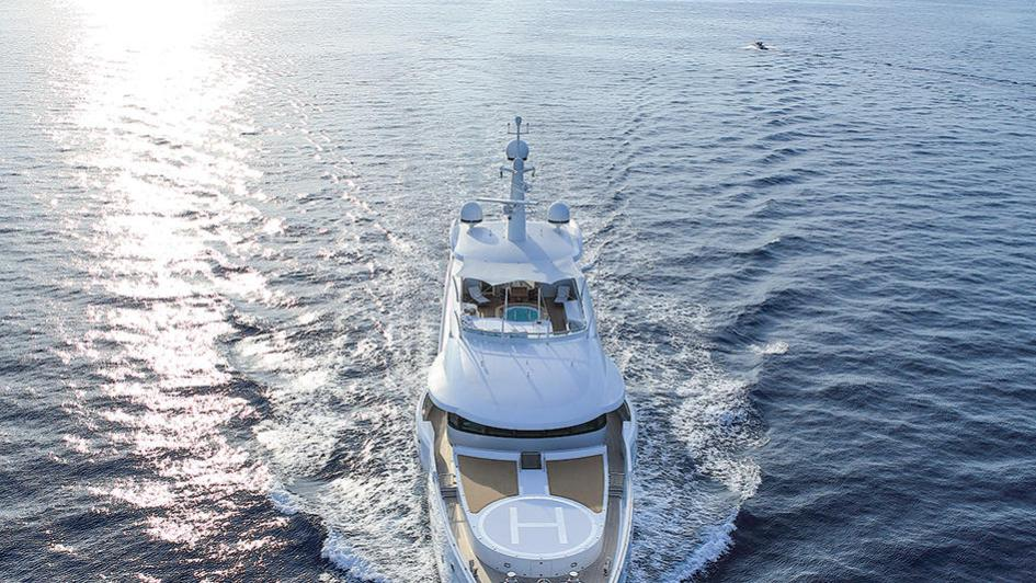 madame-kate-motor-yacht-amels-1999-62m-2015-bow-cruising