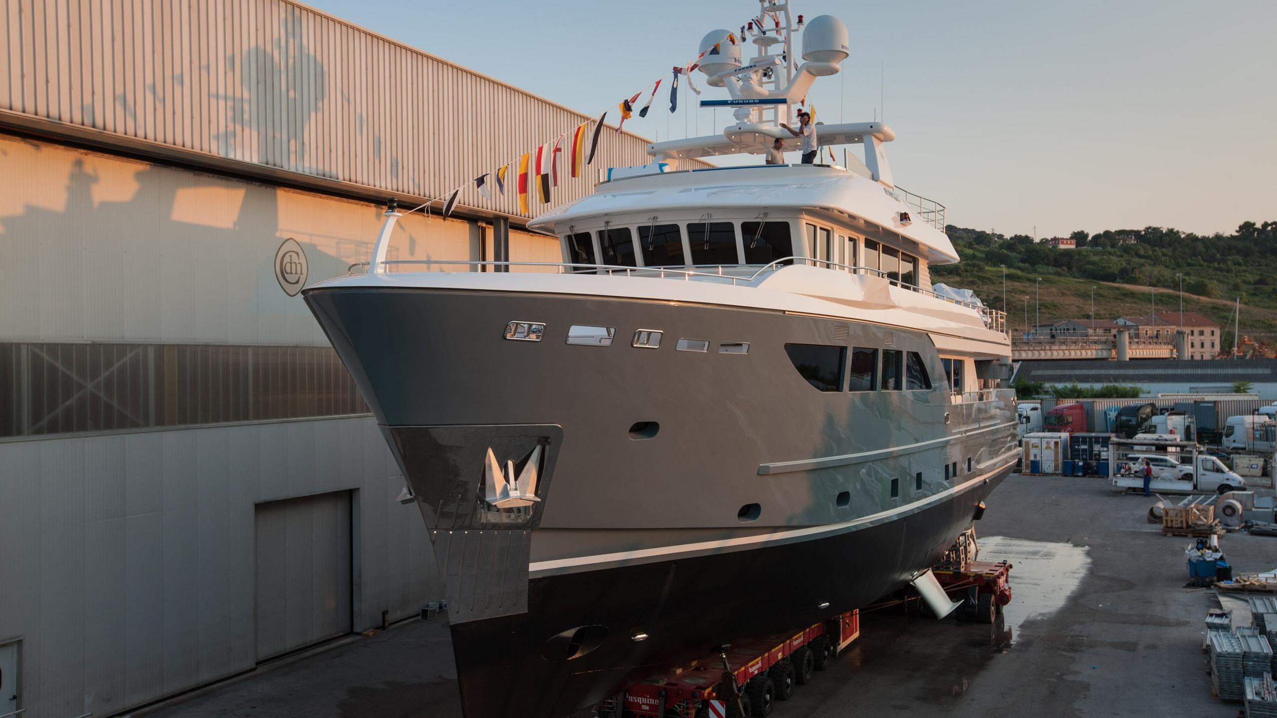 storm-motor-yacht-cantiere-dell-marche-darwin-107-2015-33m-shipyard