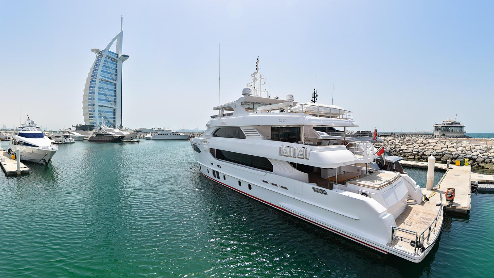 nashwan-motor-yacht-gulfcraft-majesty-135-2016-41m-moored-dubai