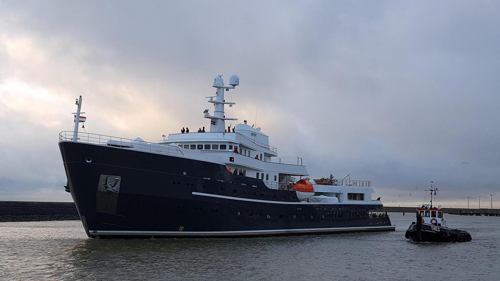 legend-motor-yacht-ihc-verschure-1974-77m-profile-post-refit