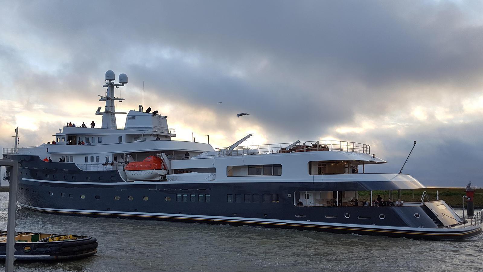 legend-motor-yacht-ihc-verschure-1974-77m-stern-post-refit