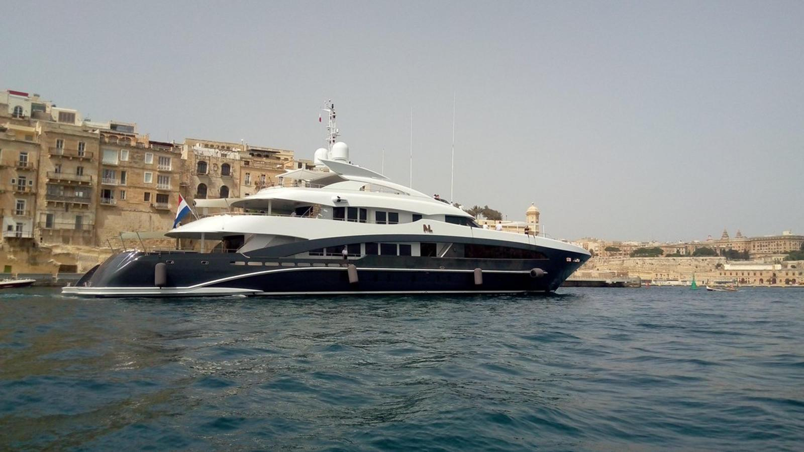 my-loyalty-motor-yacht-heesen-2016-50m-profile