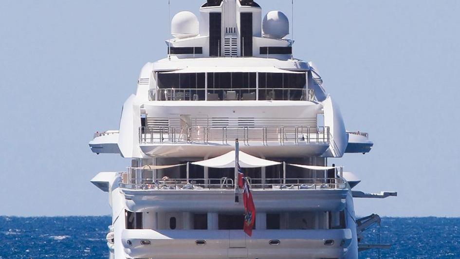 maryah-motor-yacht-elefsis-2014-125m-aft-view