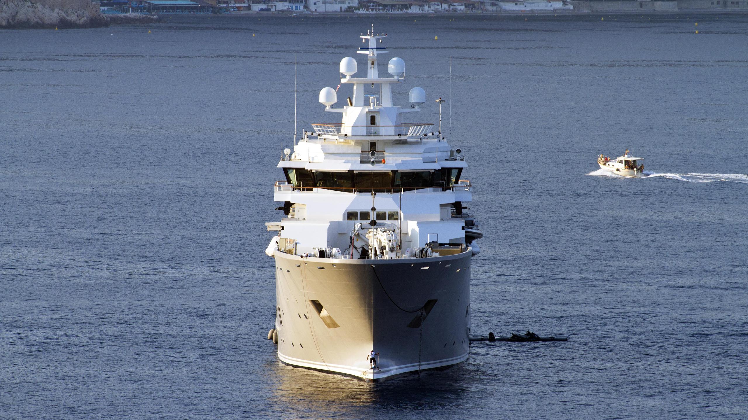 andromeda-ulysses-explorer-yacht-kleven-2015-107m-bow