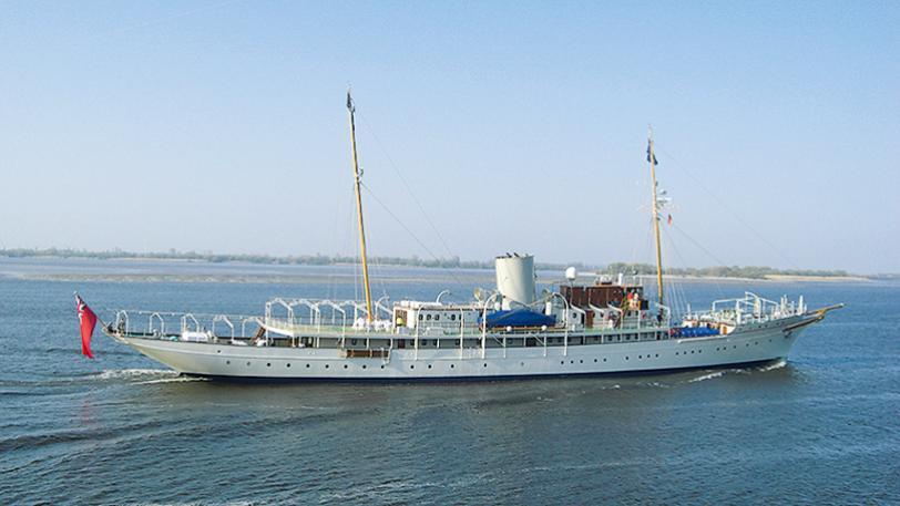 nahlin-classic-motor-yacht-brown-j-1930-91m-profile