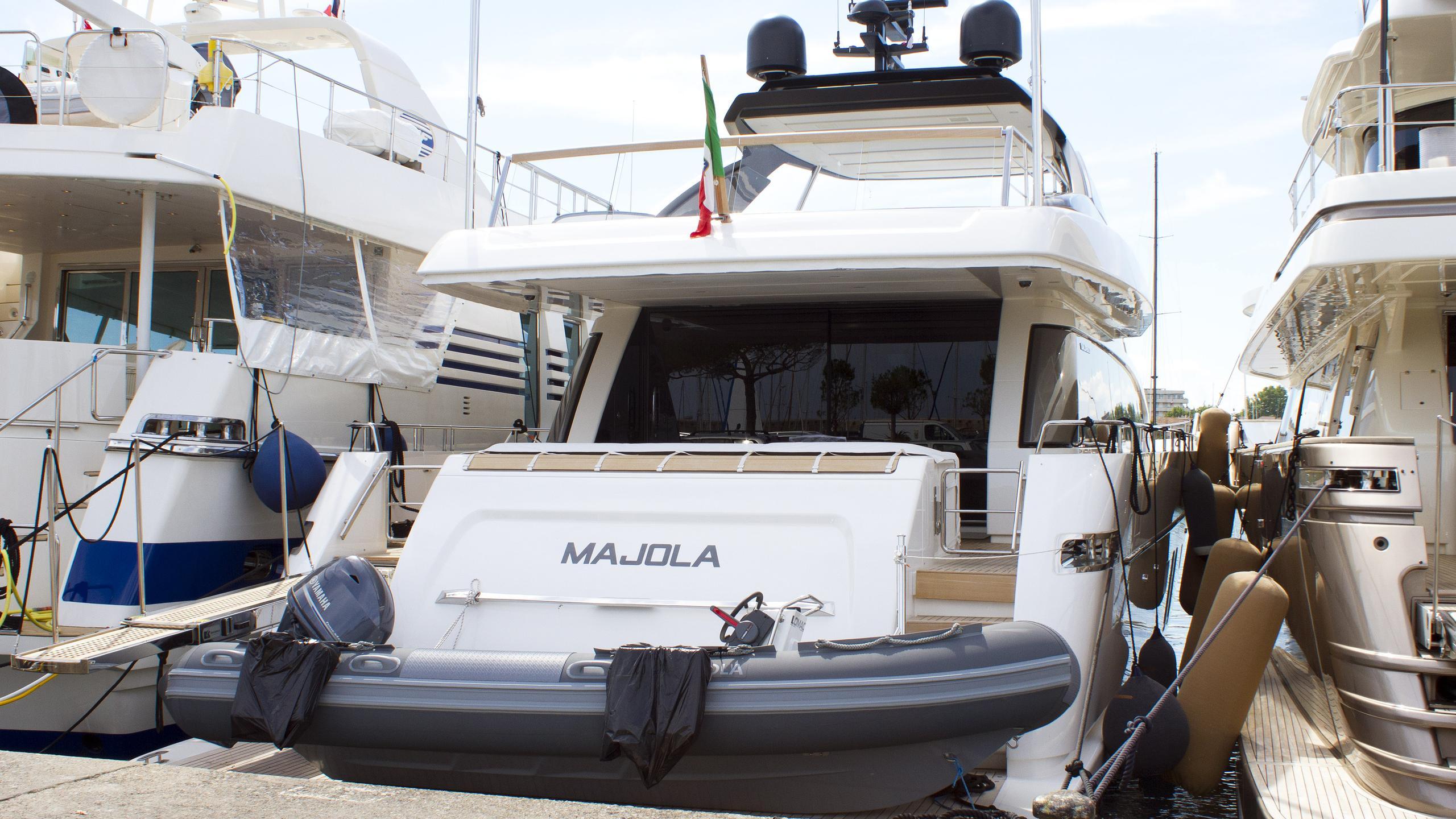 majola-motoryacht-sanlorenzo-sl-86-2016-27m-stern