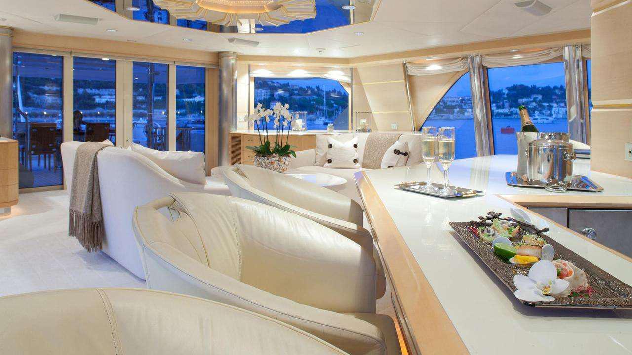 azzurra-ii-motor-yacht-crn-1988-48m-lounge-bar