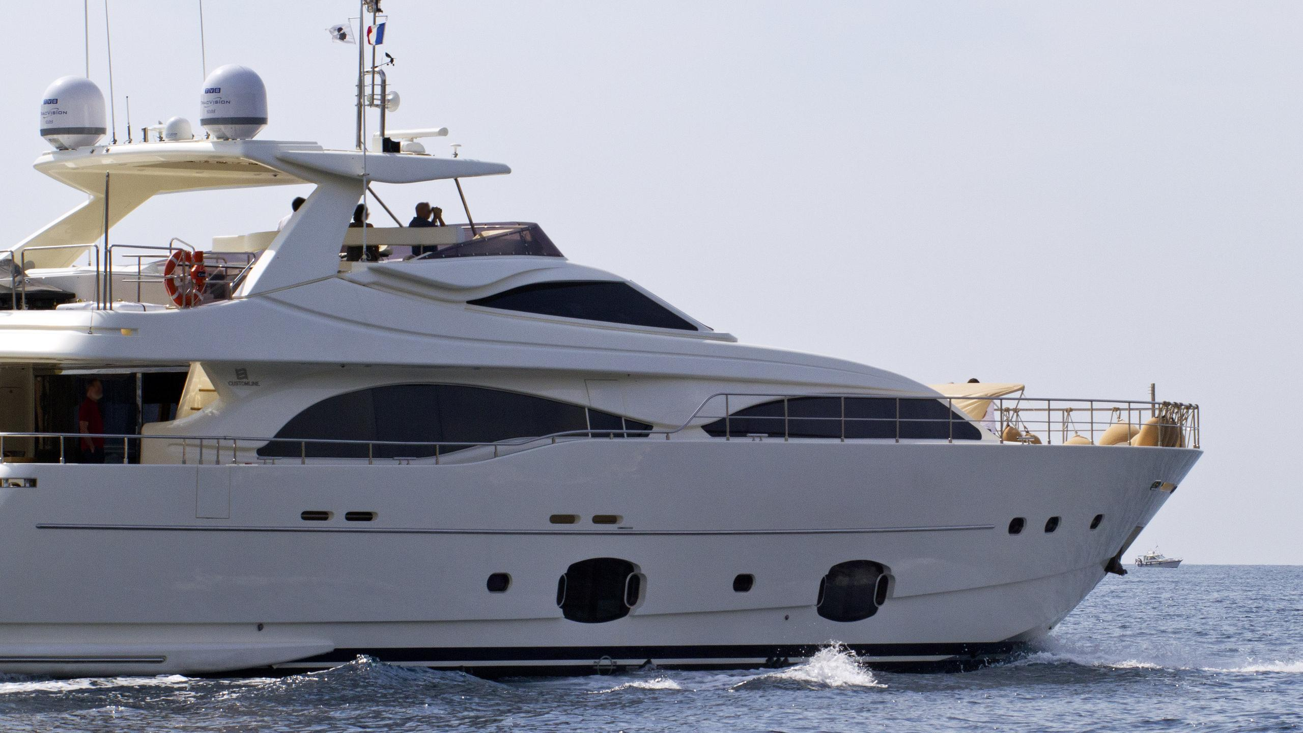 the capital dalfa motor yacht custom line 97 ferretti 2008 29m running side details
