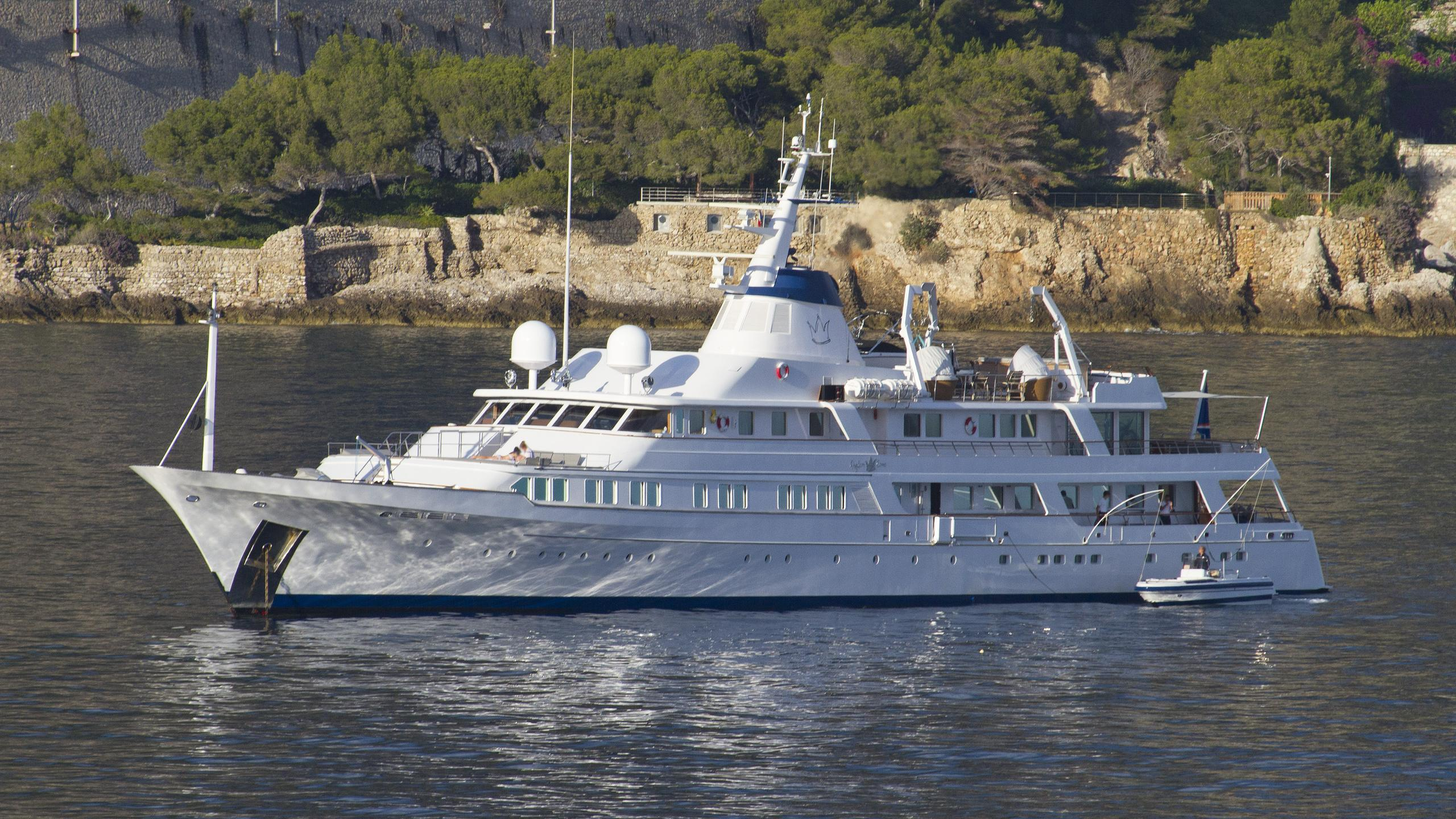 sanoo-kingdom-come-motor-yacht-feadship-1979-61m-half-profile