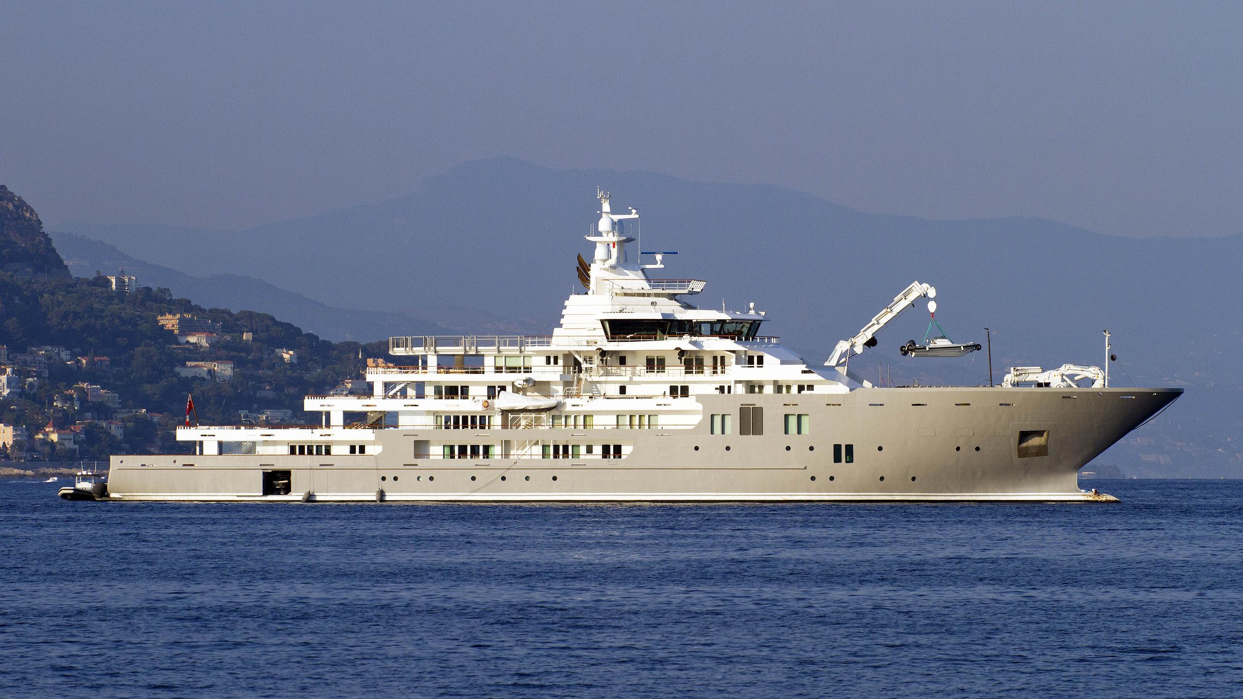 andromeda-ulysses-explorer-yacht-kleven-2015-107m-profile
