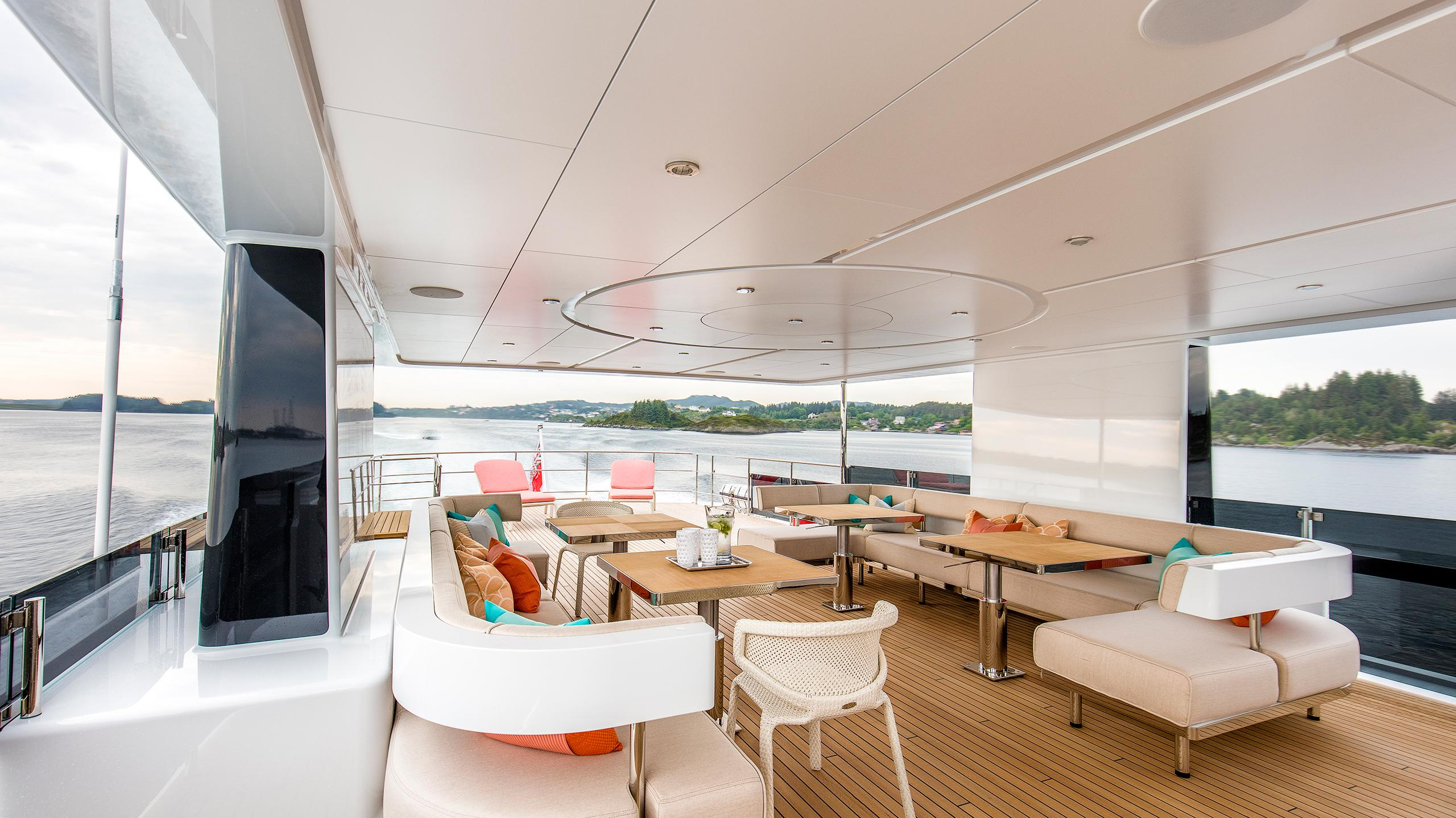 moon-sand-too-super-yacht-feadship-2016-34-metre-upper deck