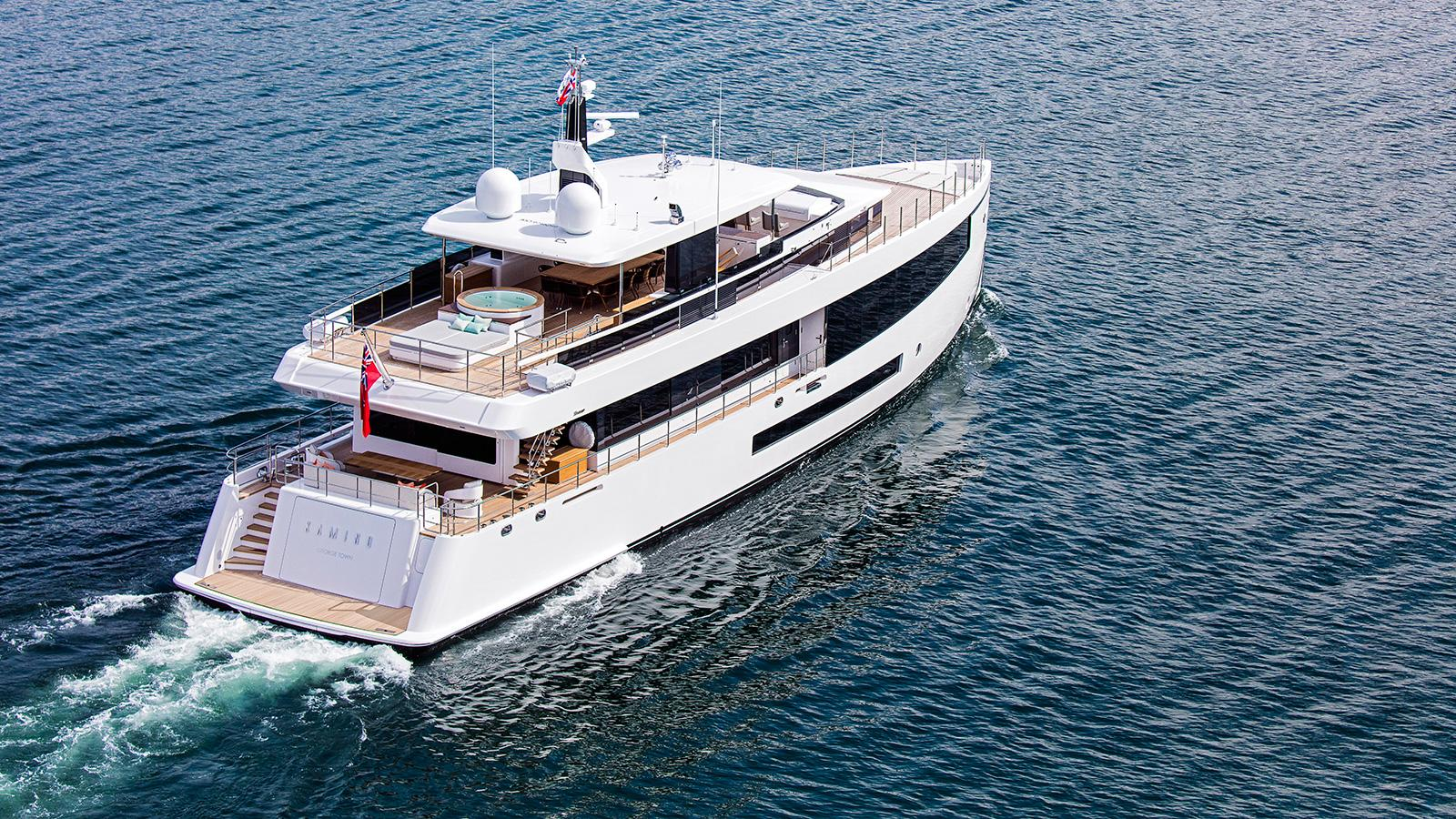 Kamino-super-yacht-feadship-2016-34-metres-aerial-view