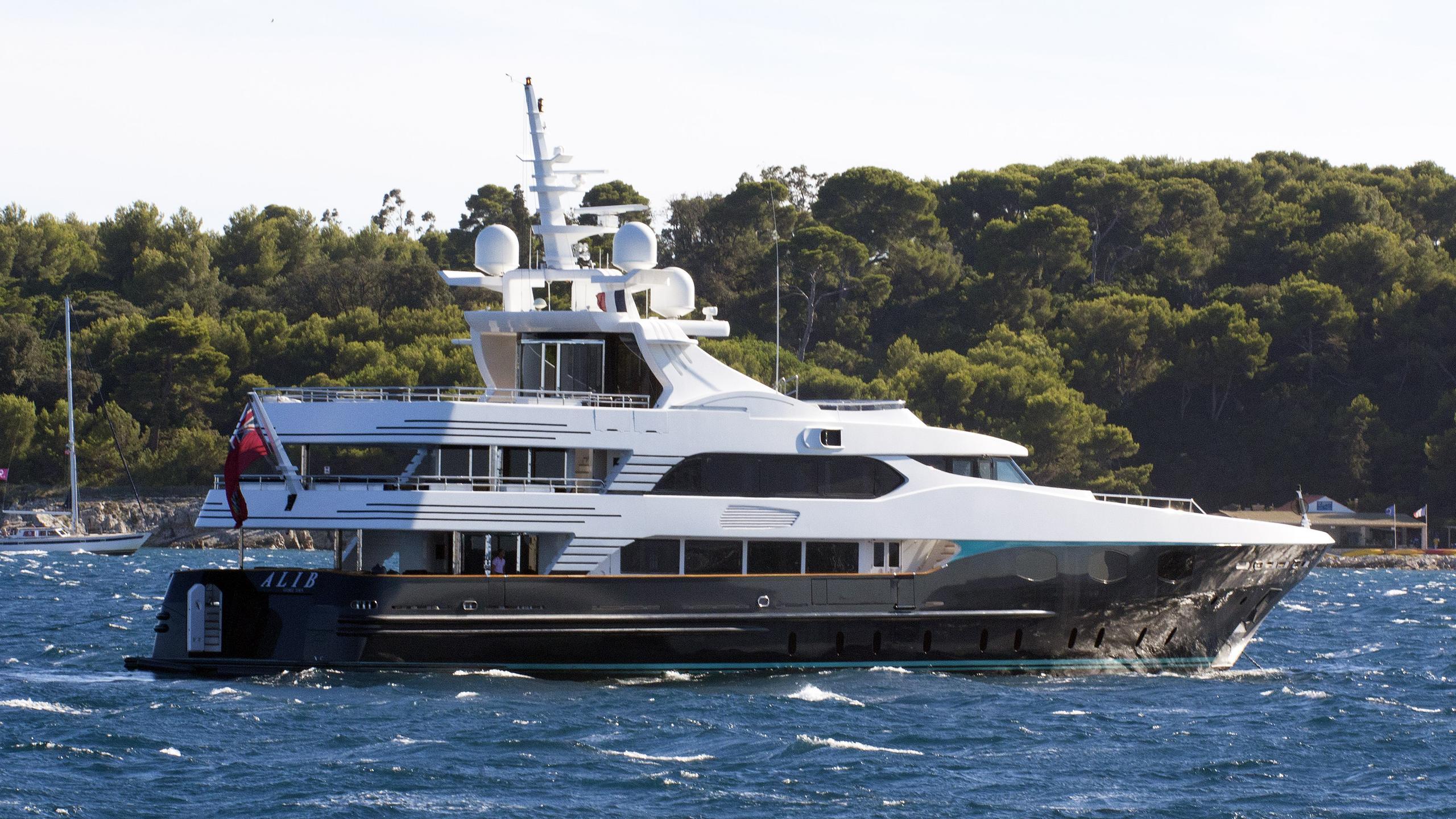 eleni alibi motoryacht cbi navi 2005 51m half stern
