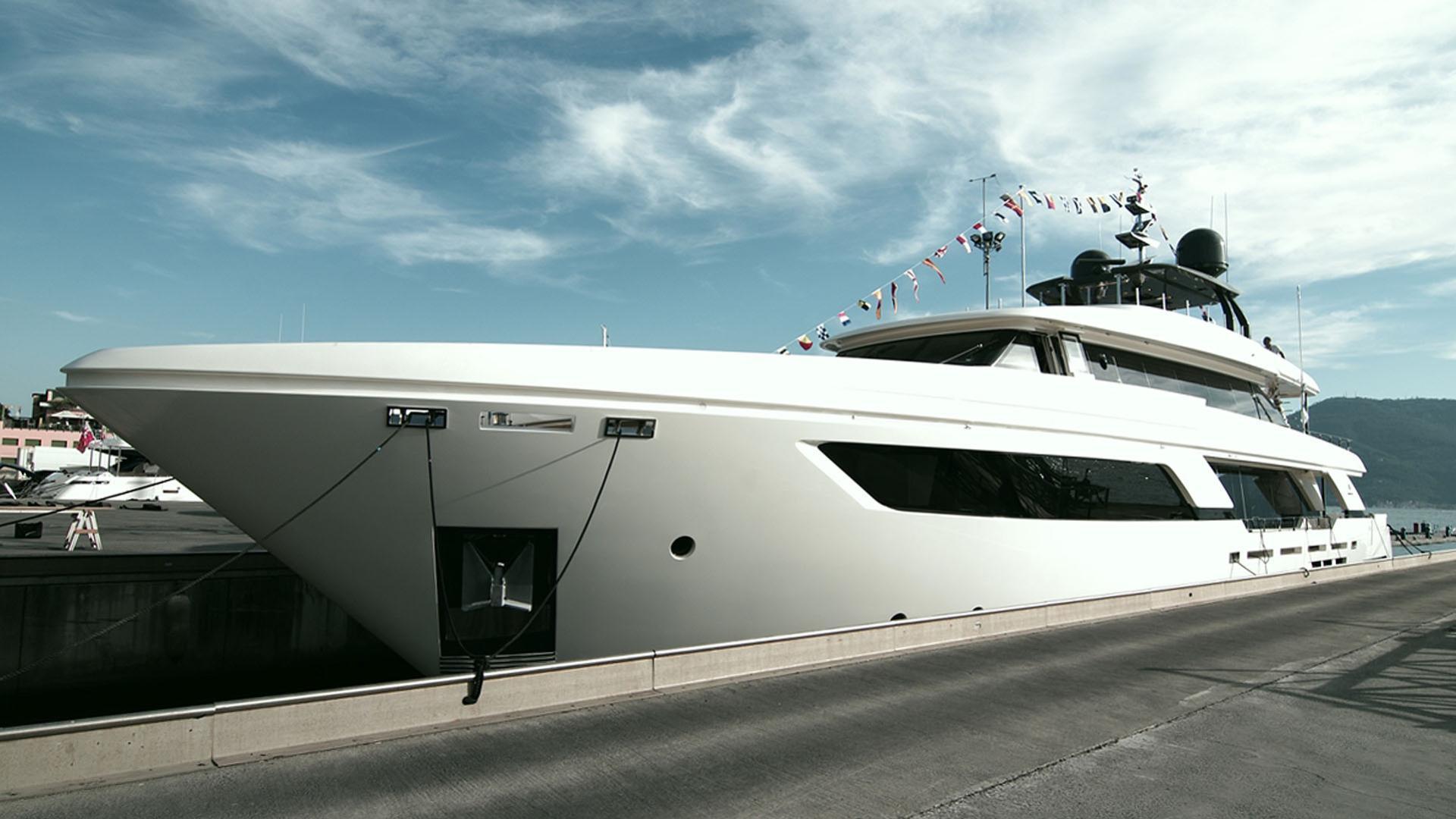 navetta 37 01 motoryacht ferretti custom line 2016 37m launch