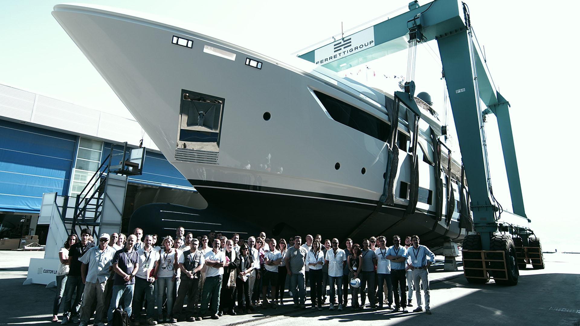 navetta 37 01 motoryacht ferretti custom line 2016 37m launch team
