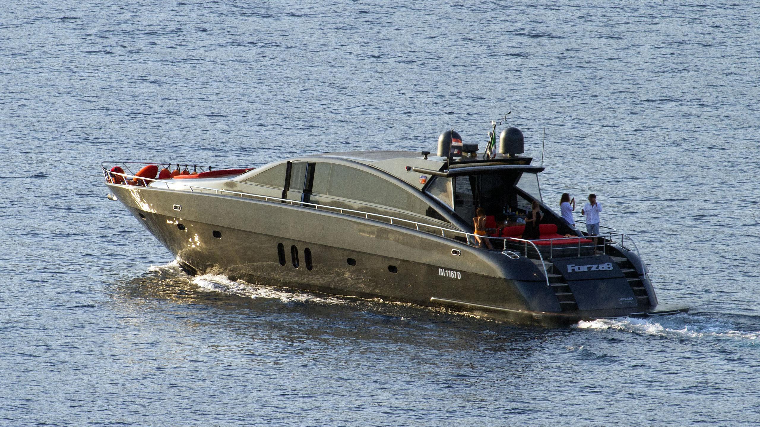 forza 8 motoryacht fp yachts jaguar 24 2004 24m half stern