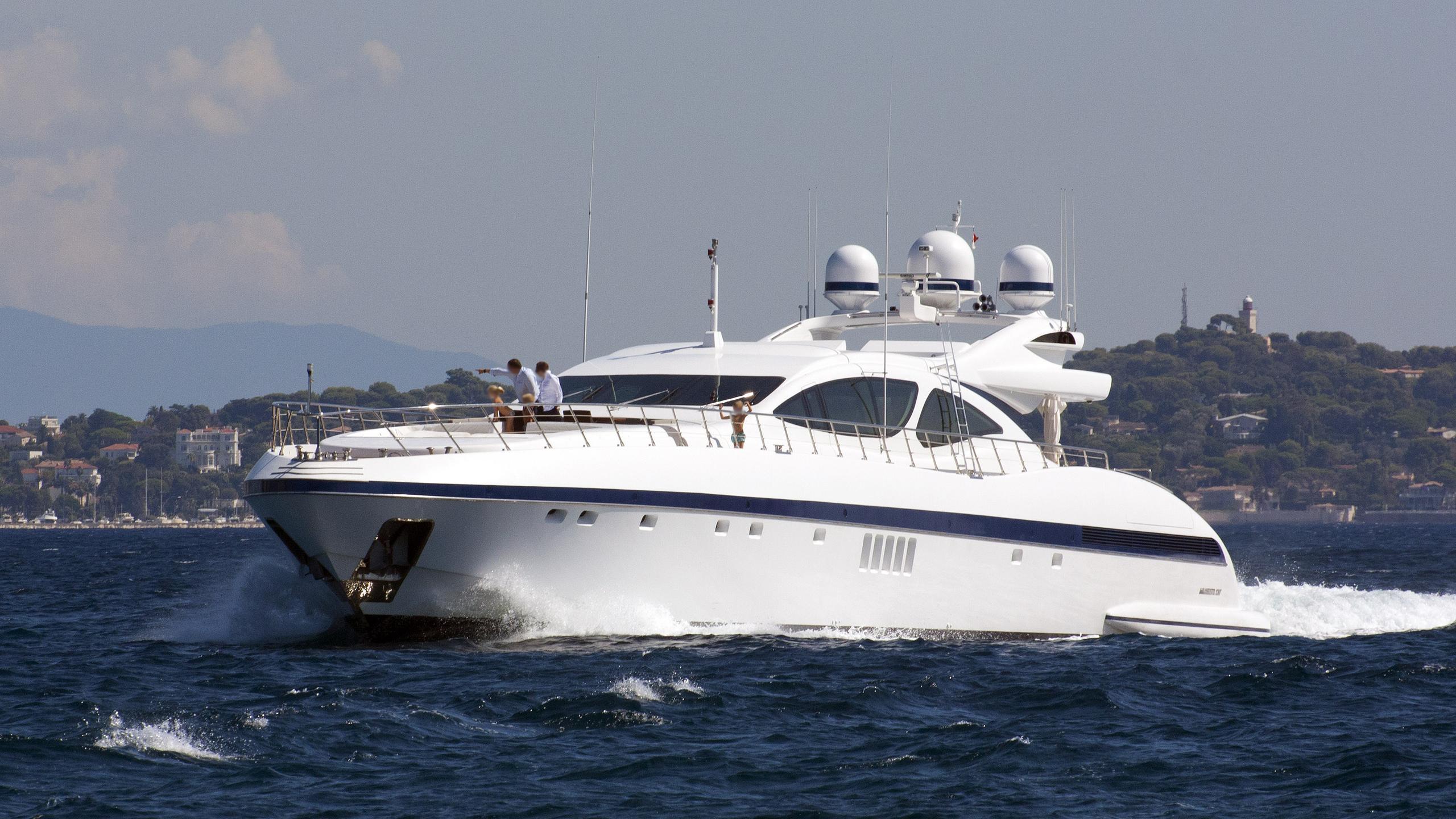 mac too motoryacht overmarine mangusta 130 2008 40m cruising half profile
