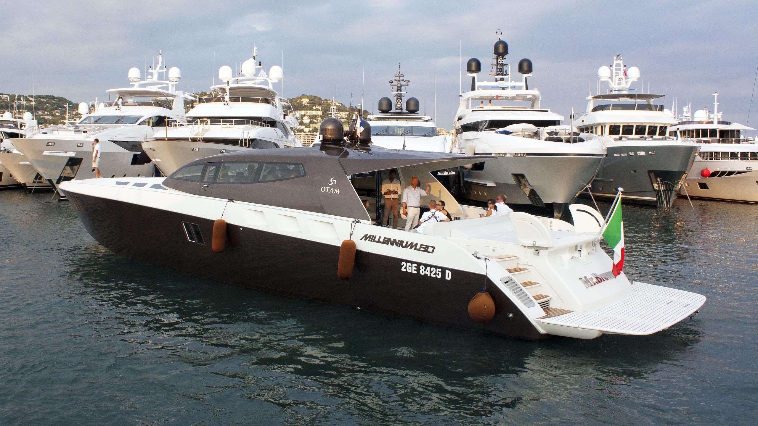 mr brown motoryacht otam 80 ht 2012 25m half stern