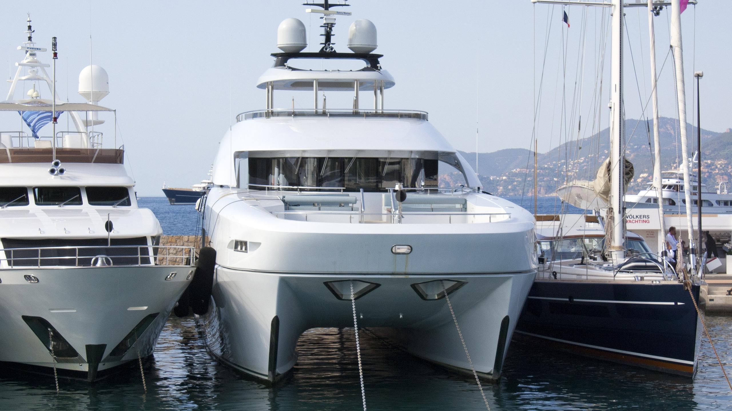 quaranta catamaran yacht logos marine 2013 34m bow