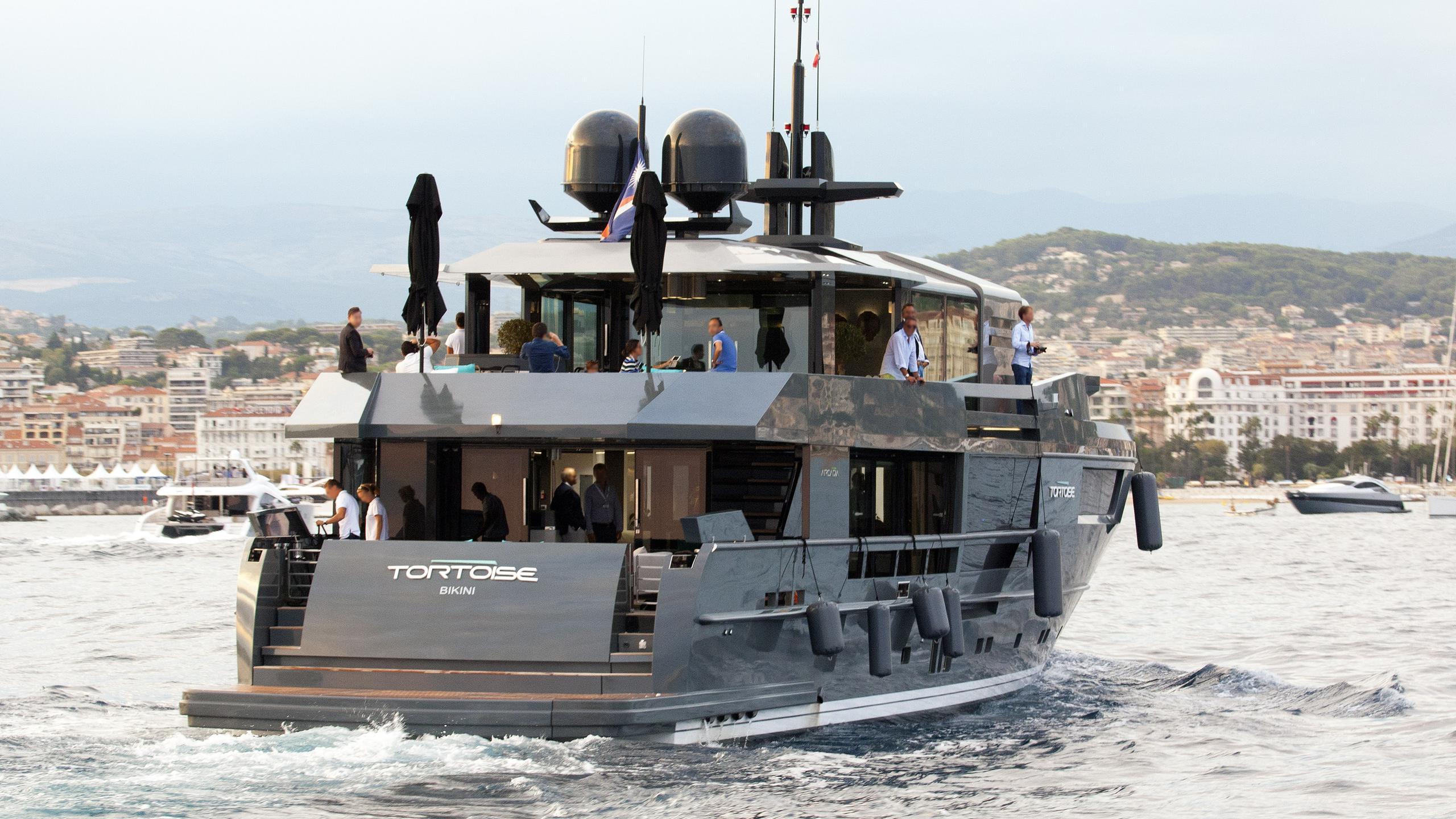 tortoise motoryacht arcadia yachts 115 2015 35m half stern