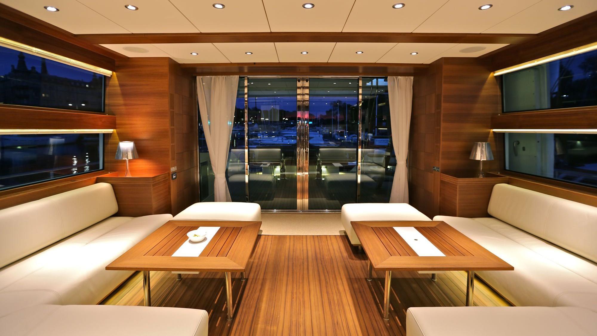 Delta carbon 88 yacht salon aft