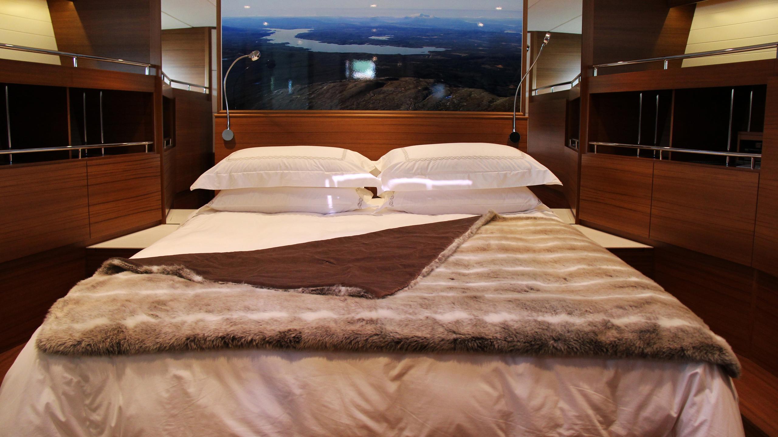 Delta carbon 88 yacht cabin