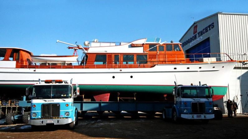 Kizbel yacht at Hodgdon yard