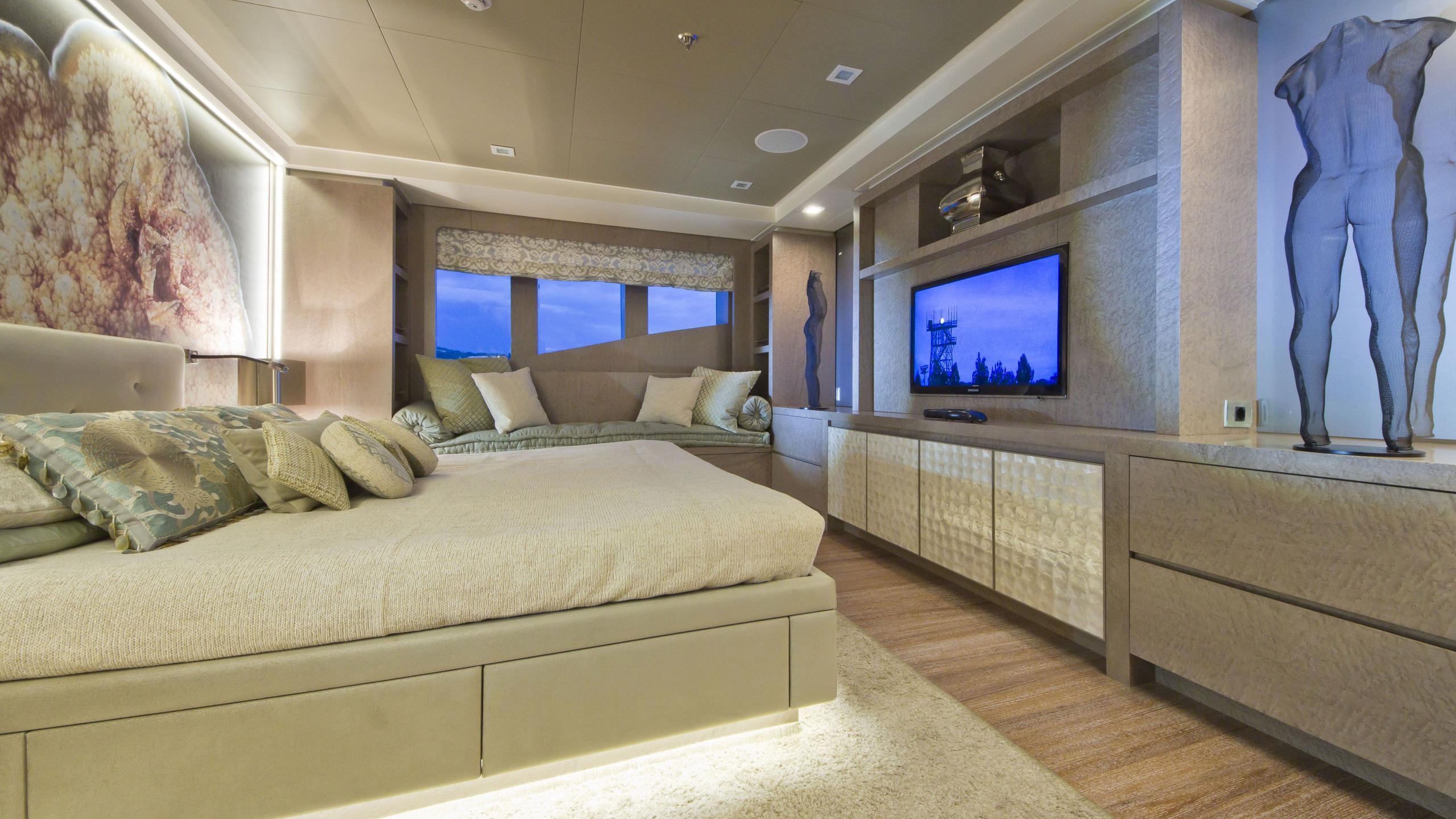 Liberty yacht master cabin