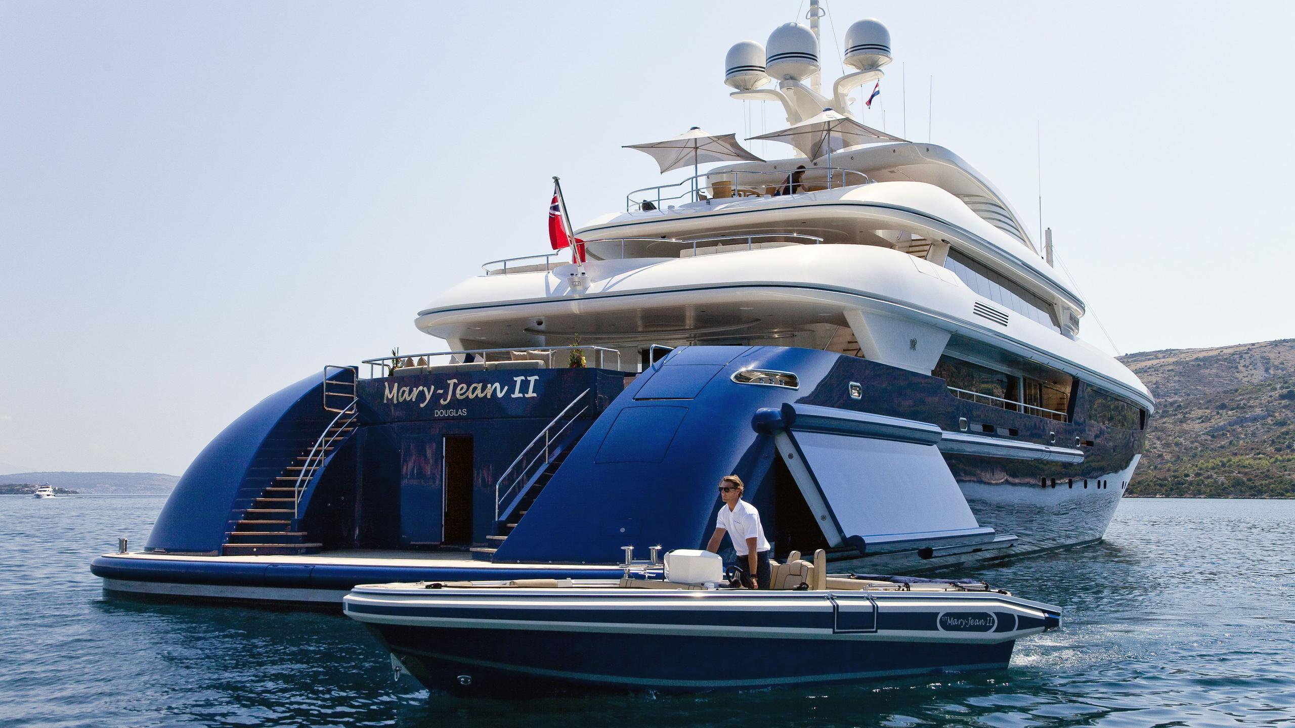 Mary Jean II yacht stern