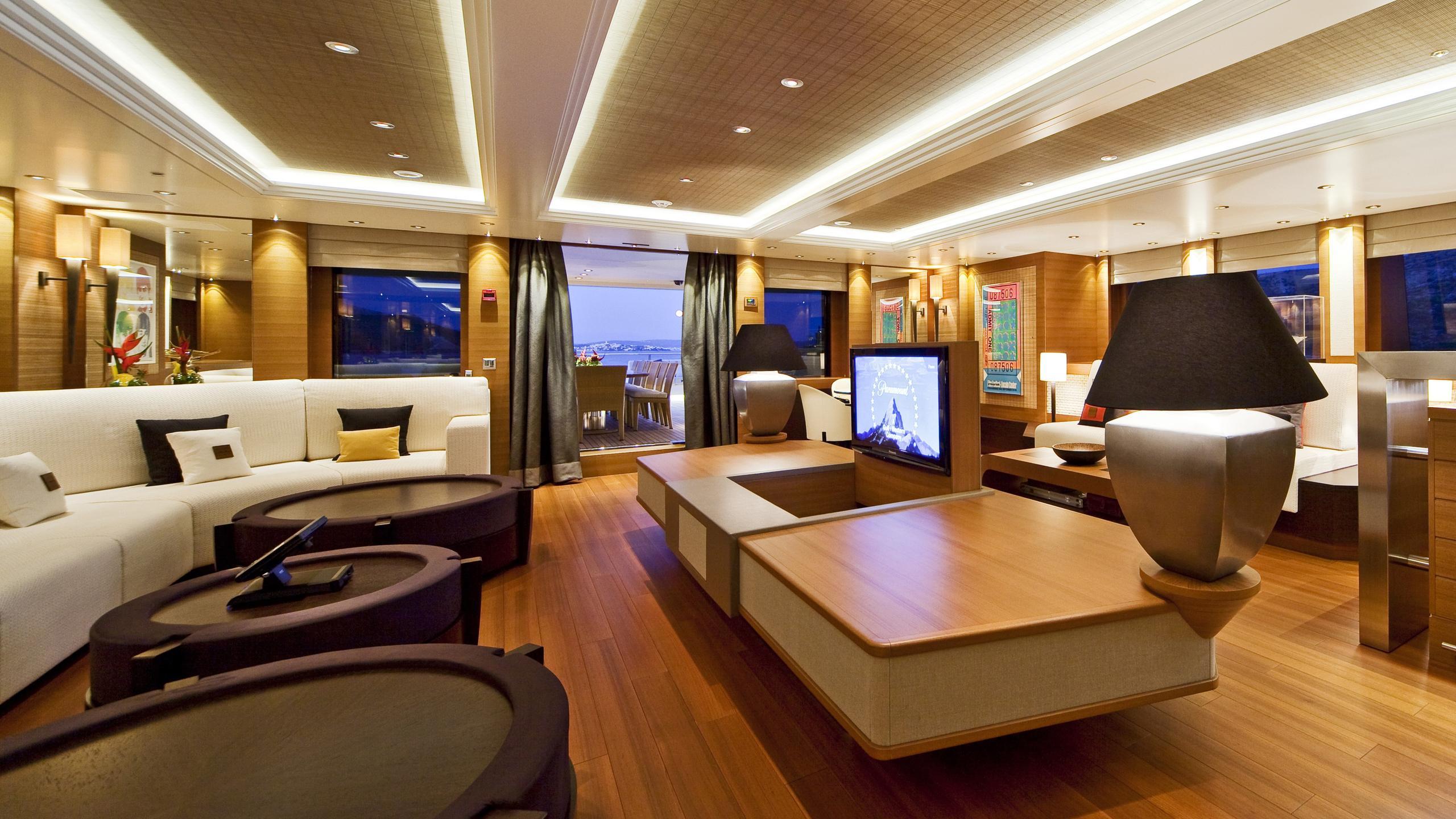 Mary Jean II yacht upper lounge
