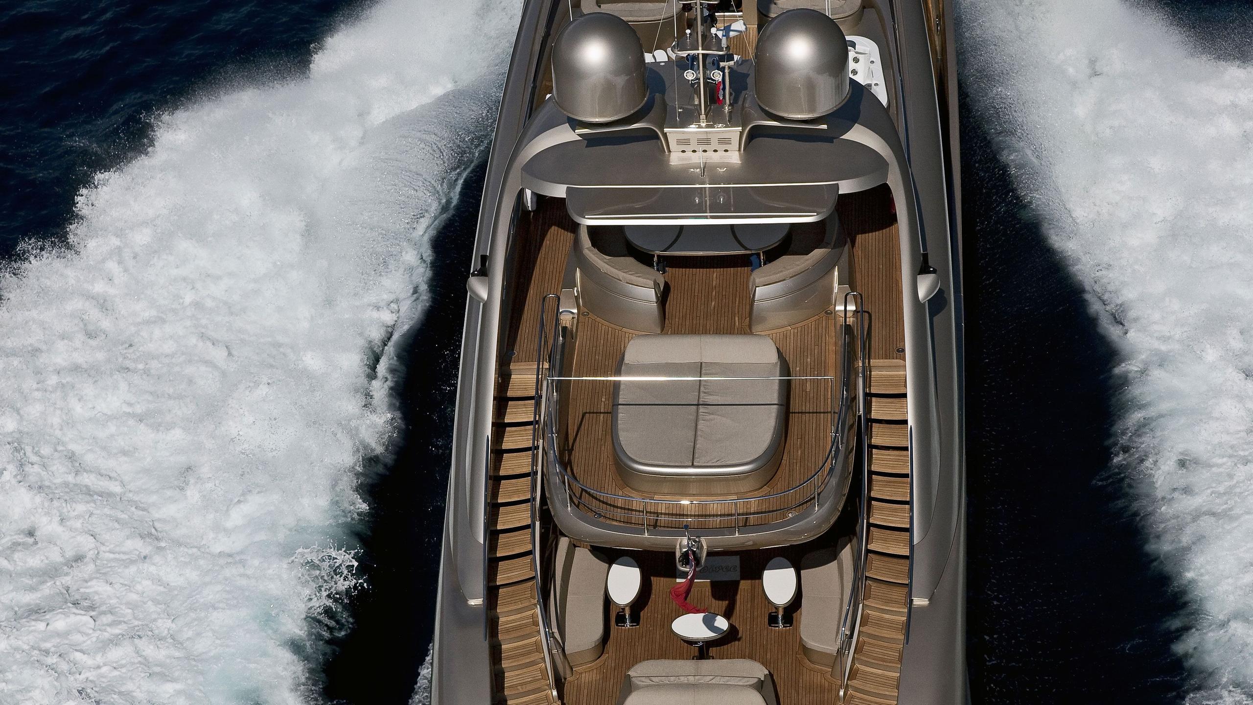Soiree yacht running aerial