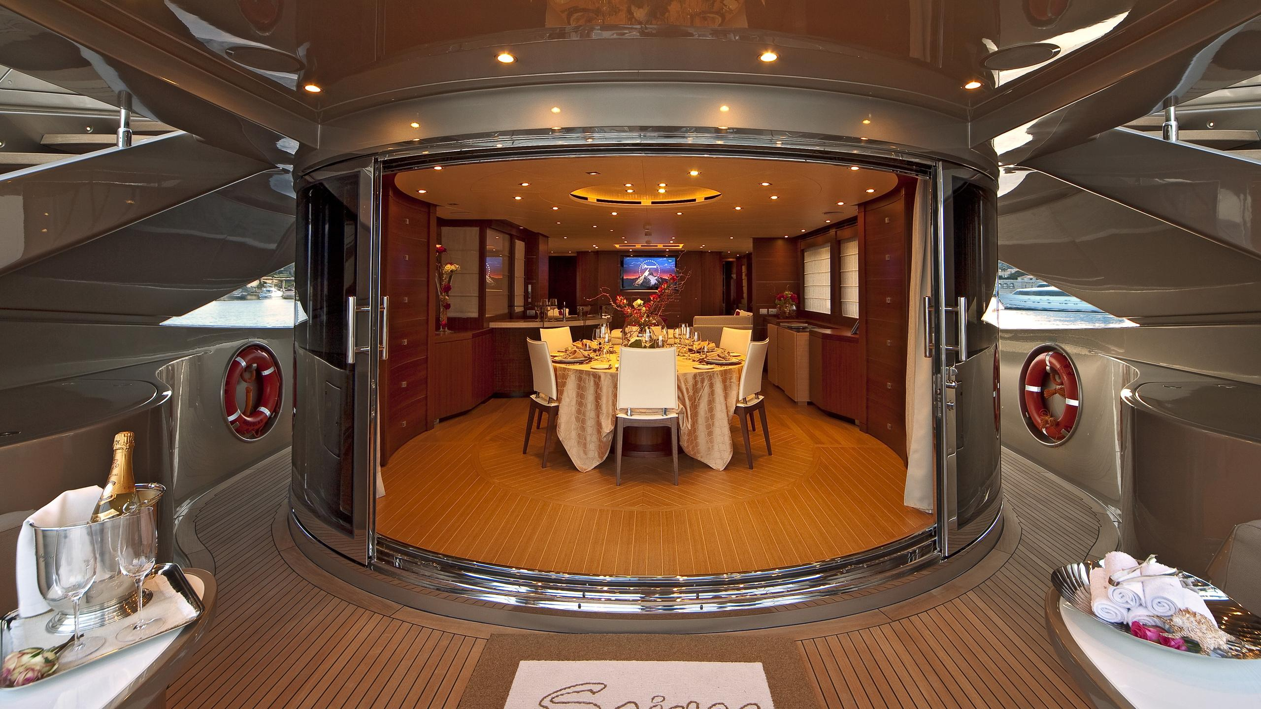Soiree yacht main deck aft
