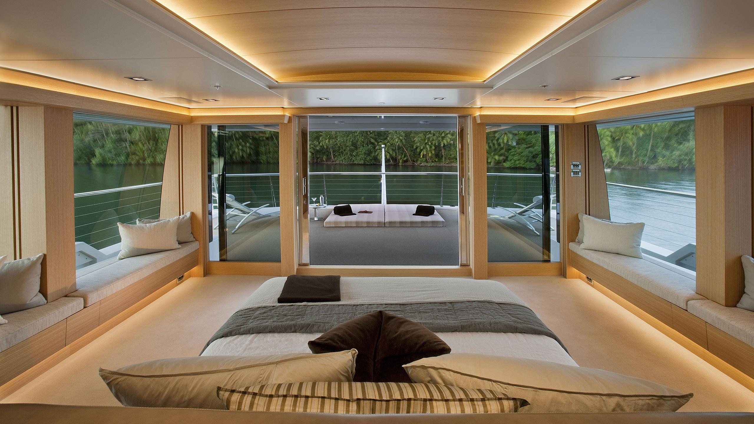 Big fish yacht master cabin