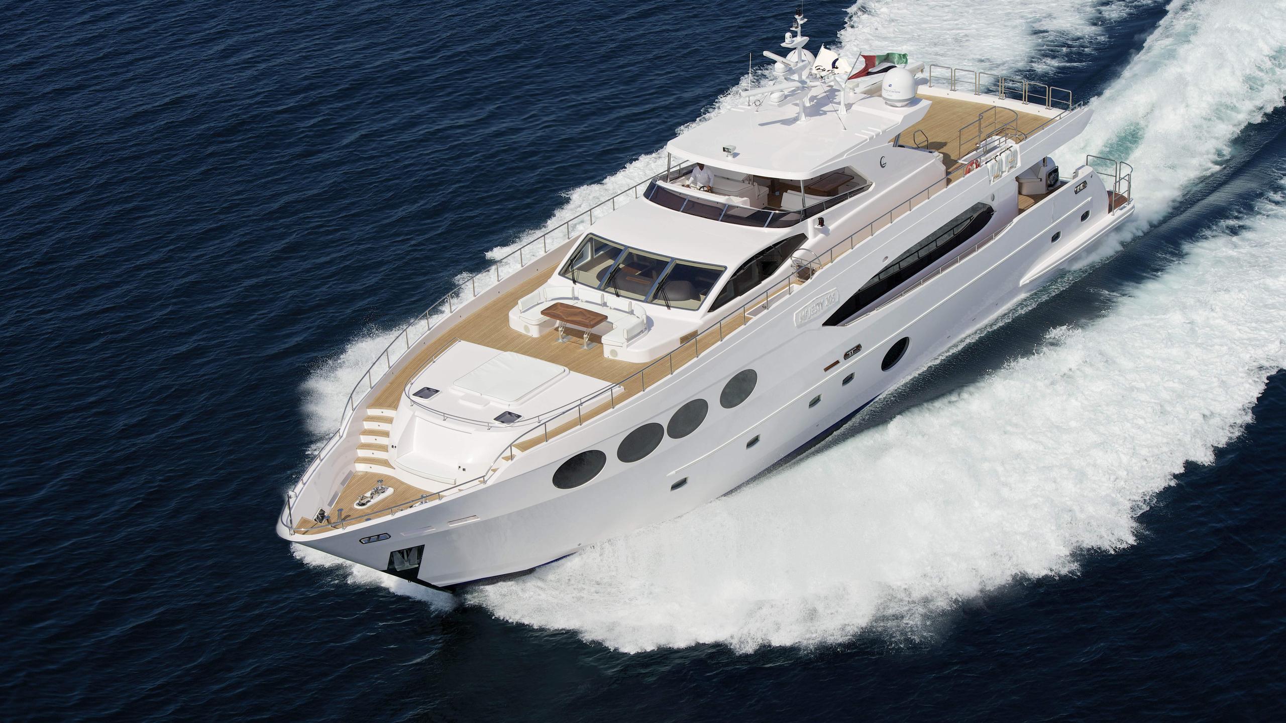 ghadeer-yacht-exterior